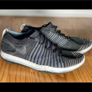 Nike Free Women's 8.5 trainer with Flyknit